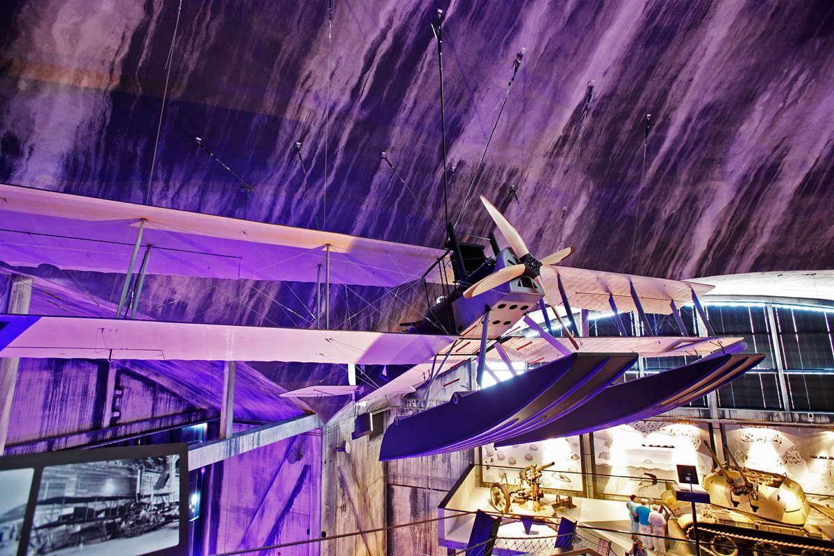 Полноразмерная копия британского гидроплана Short Type 184 в Летной навани, Эстонском морском музее, Каламая, Таллинн, Эстония
