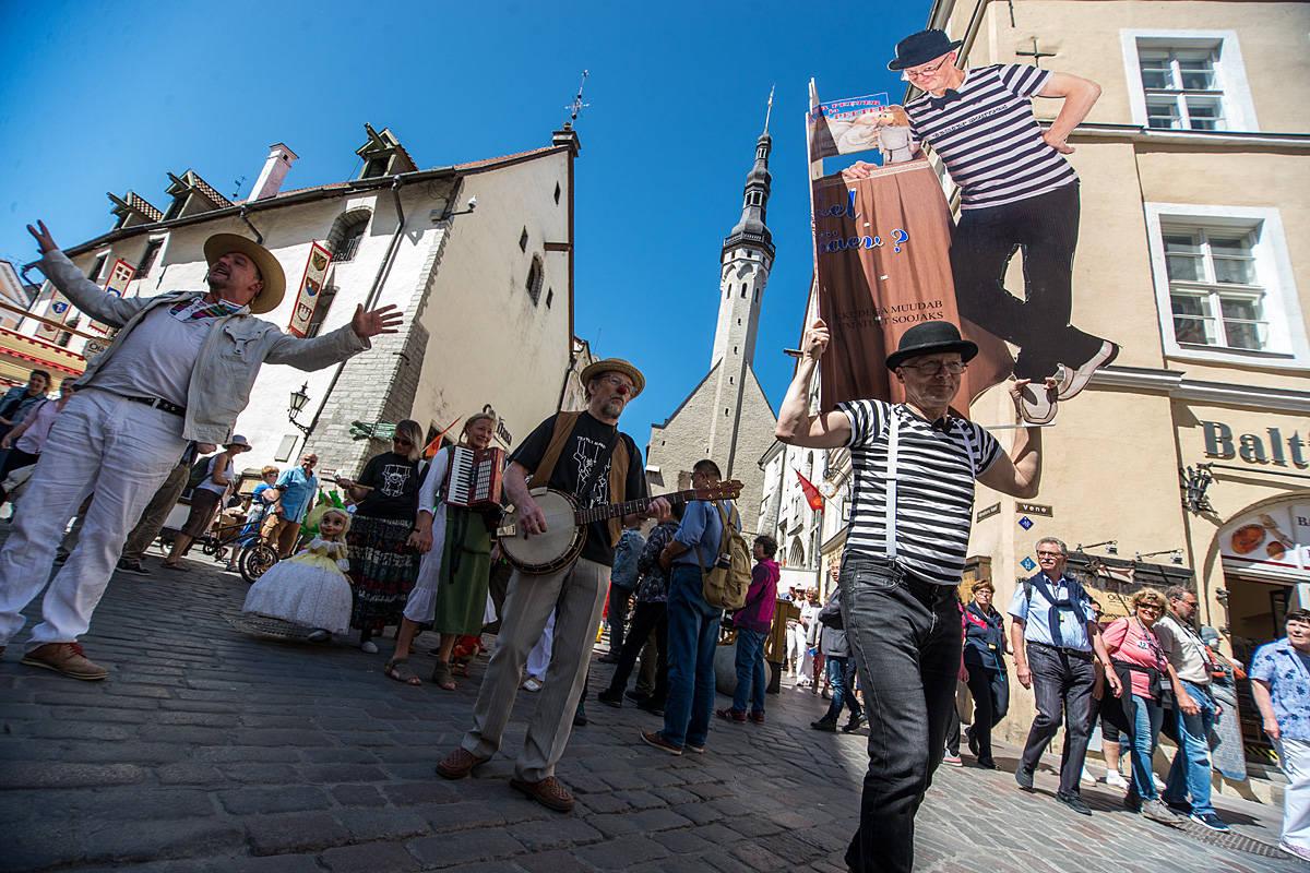 Tallinn Old Town Days' Clown Parade