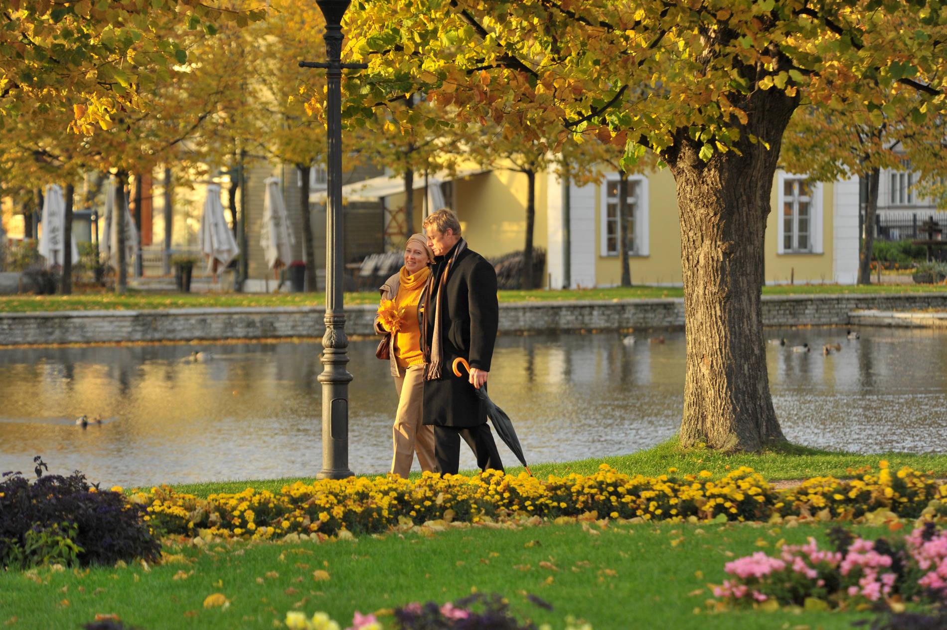 Couple at the Kadriorg palace park in Tallinn, Estonia