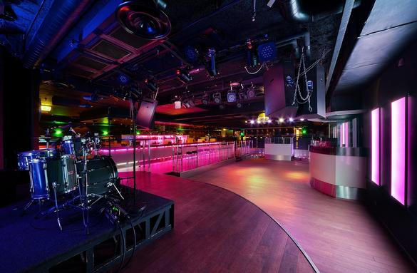 nightclub  indoor view