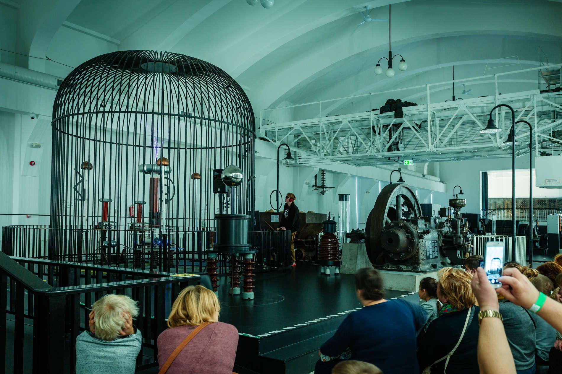 Flash demonstartion at the Energy Discovery Centre in Tallinn, Estonia