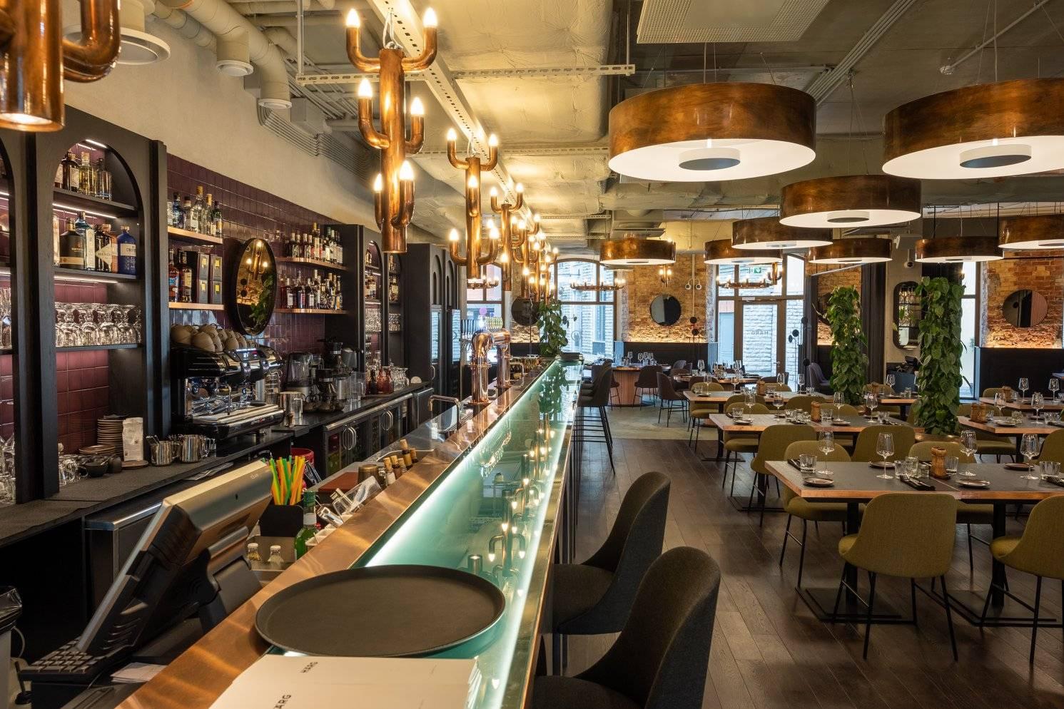 Vaade restorani Härg interjöörile, mis asub Tallinna kesklinnas, Eestis.