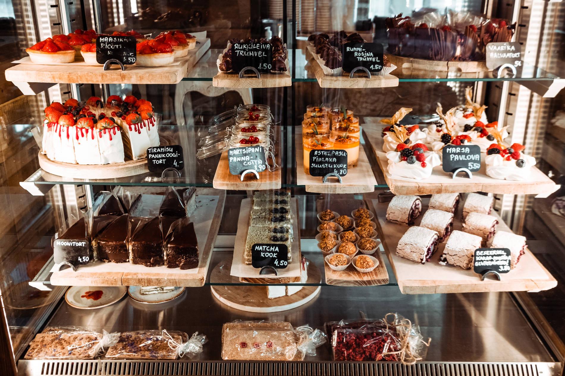 Kakkuja Rukis kahvilassa, Tallinnassa