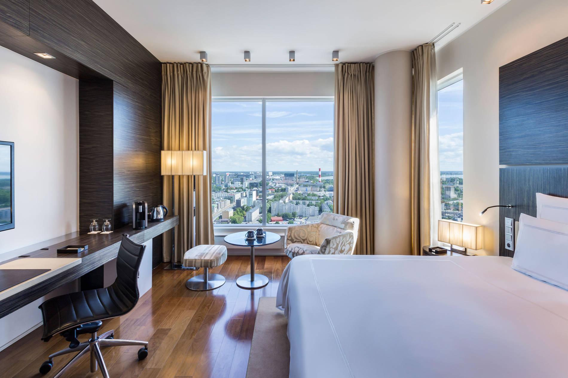 Swissotel_room_2019