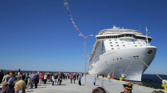First cruise ship in Tallinn with only Chinese passengers on board