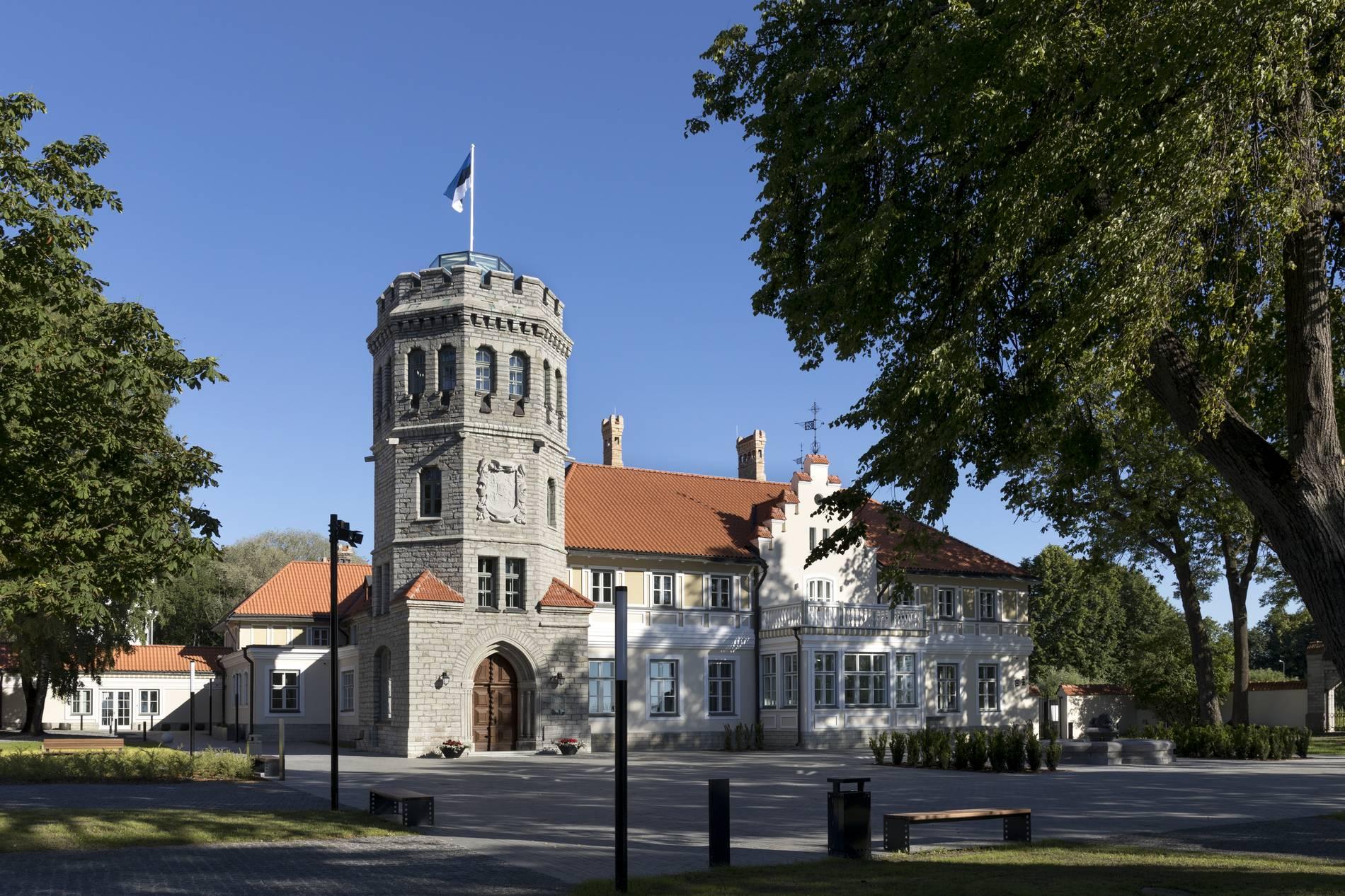 Viron historiallisen museon Maarjamäen linna Tallinnassa