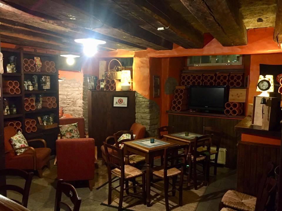 Osteria del Gallo Nero ravintola Tallinnassa, Virossa