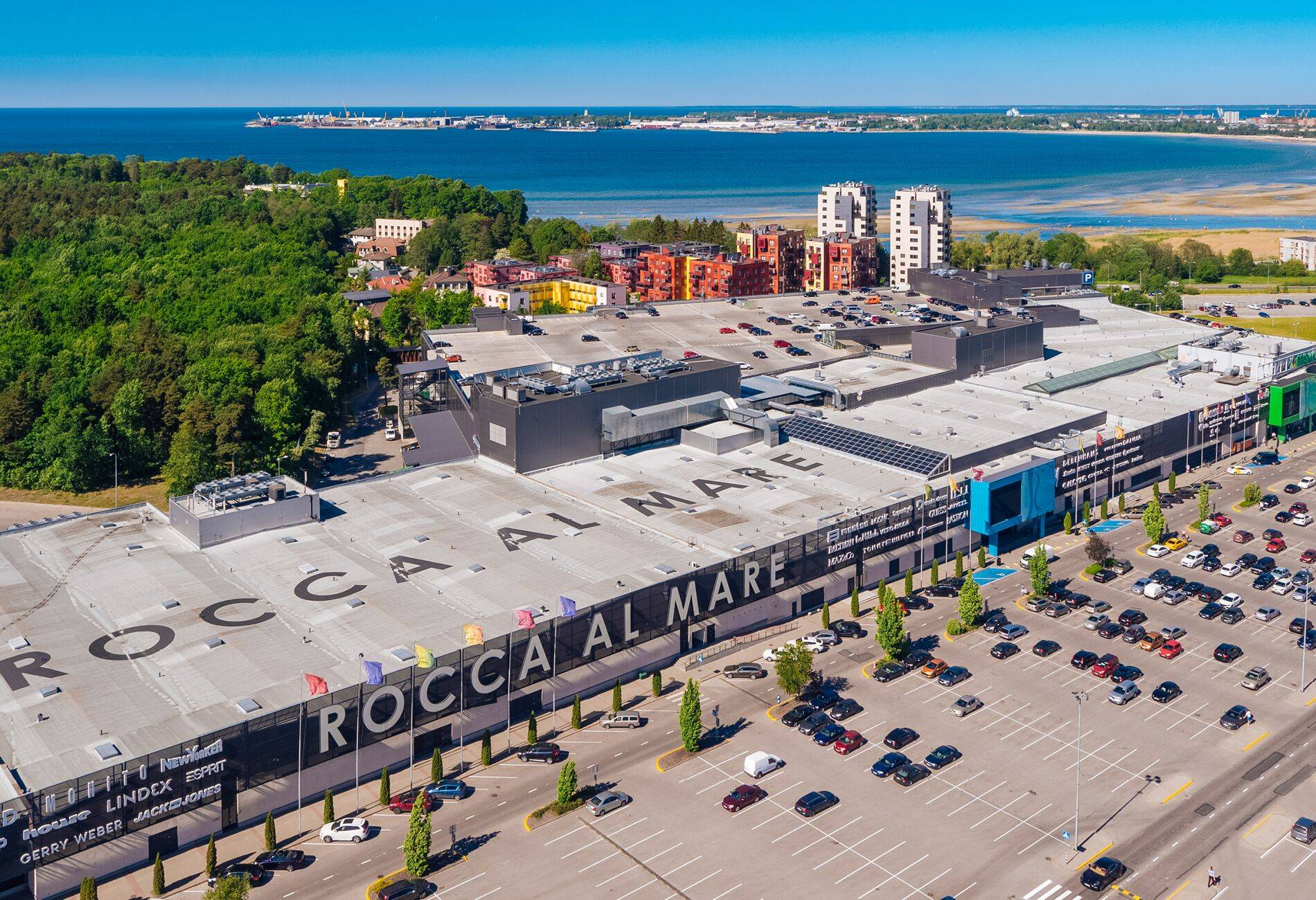 Rocca al Mare shopping centre