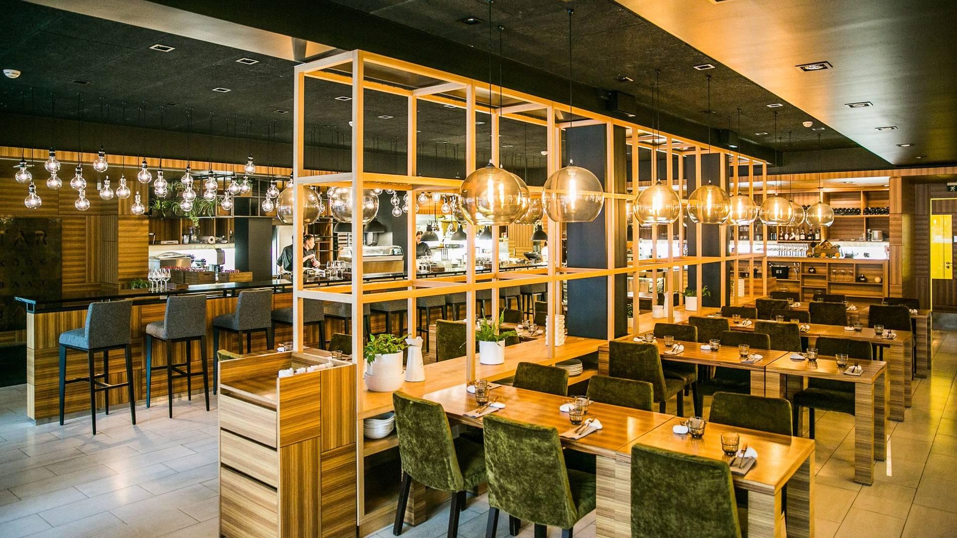Vaade TAR TAR köök + baar restorani interjöörile, asukoht Tallinnas, Eestis.