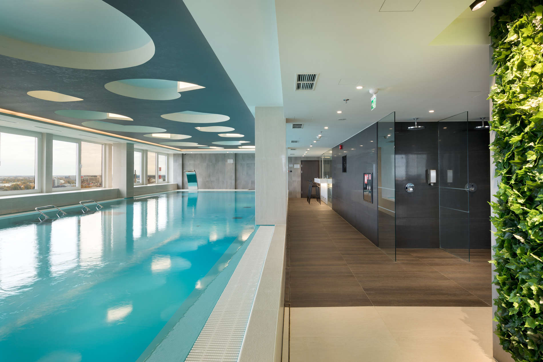 Radisson Blu Olümpia fitness pool
